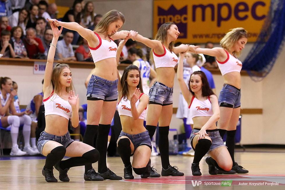 Trinity Cheerleaders podczas krakowskich półfinałów BLK (galeria)