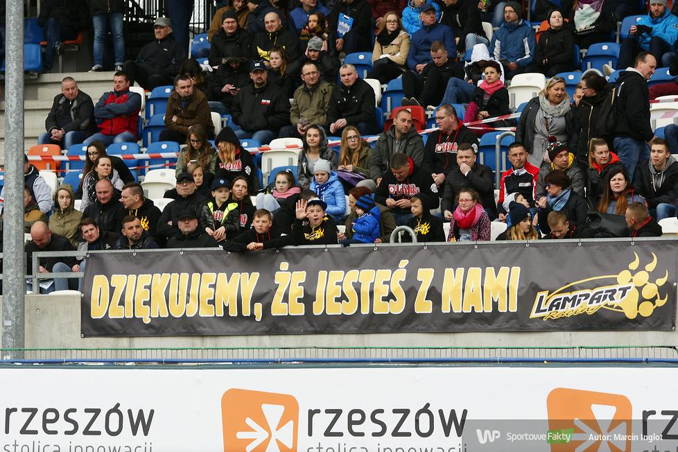 W Nice 1.LŻ i 2. Lidze Żużlowej też się sporo działo. Zobacz fanów i ich oprawy w sezonie 2017 (galeria)