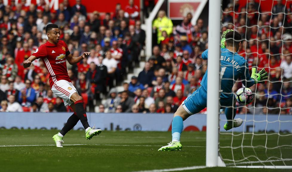 Manchester United w niedzielne popołudnie zremisował na Old Trafford z...