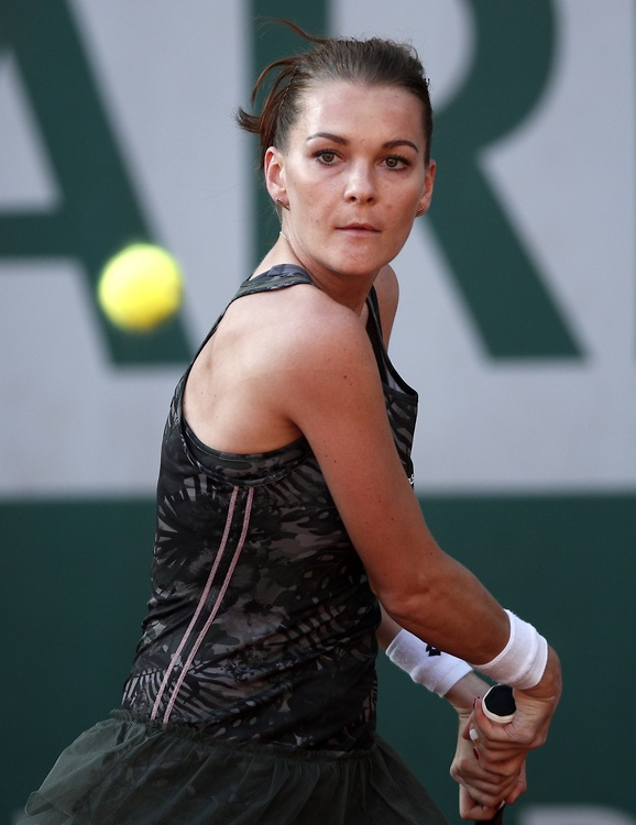 Agnieszka Radwańska i Magda Linette lepsze od Francuzek na kortach Rolanda Garrosa (galeria)