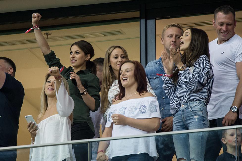 Polska - Rumunia: żony piłkarzy, VIP-y i celebryci na PGE Narodowym (galeria)