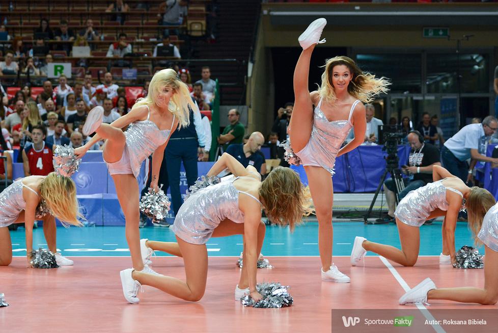 Cheerleaders FLEX Sopot podczas Ligi Światowej w Katowicach (galeria)