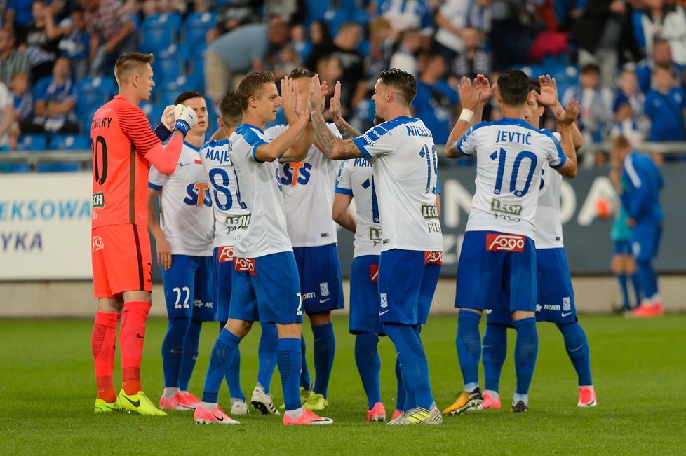 Drużyna Lecha Poznań ma powody do radości. Wygrana 4:0 daje im komfort...