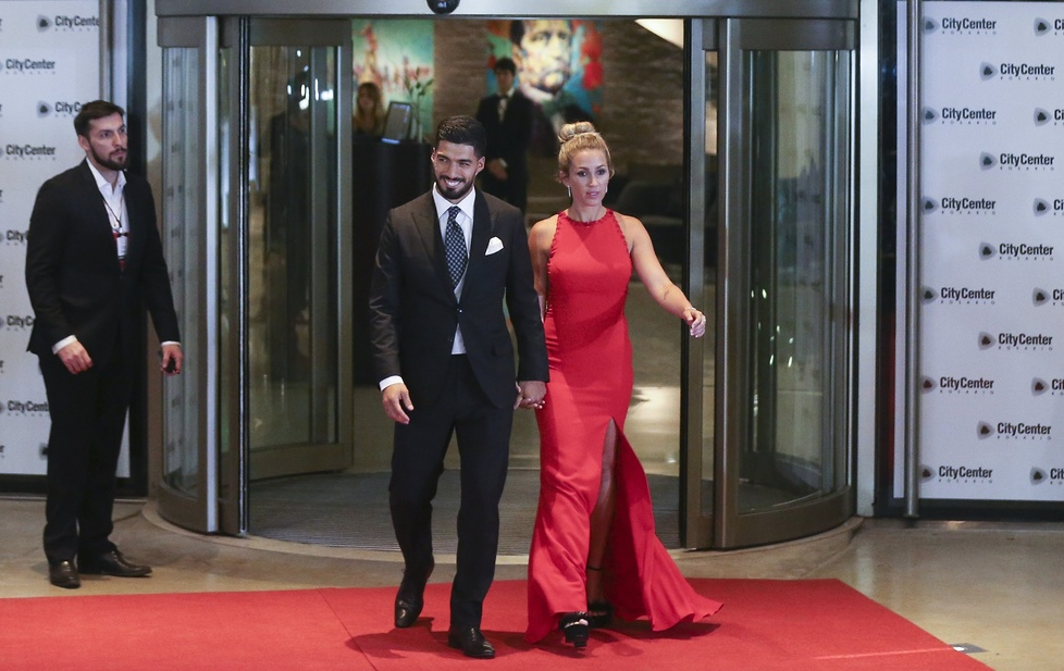 Luis Suarez z żoną Sofią Balbi...