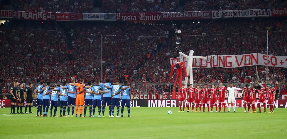 Potężna ulewa, świętujący Lewandowski. Zdjęcia z meczu Bayern - Bayer (3:1)