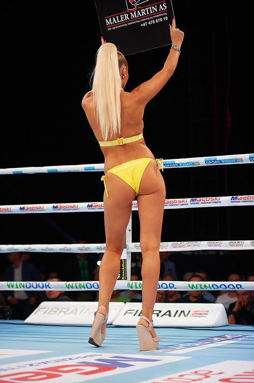 Piękne ring girls podczas MGębski Boxing Night w Radomiu (galeria)