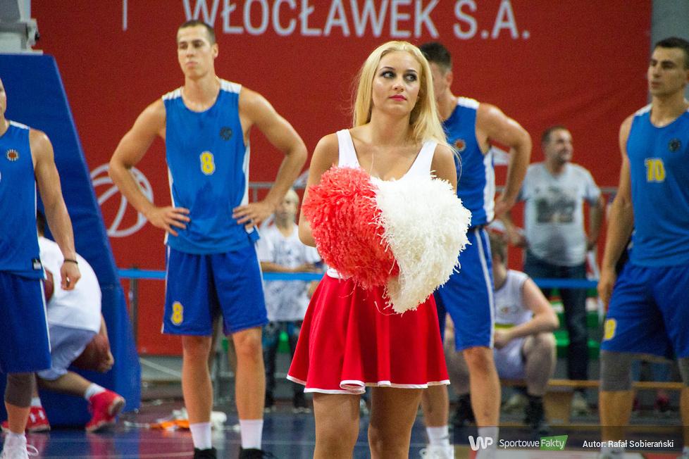 Cheerleaders Anwil Dance Team podczas Kasztelan Basketball Cup 2017 (galeria)