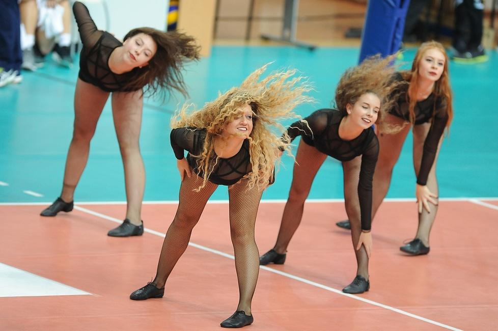 Cheerleaderki podczas meczu MKS Dąbrowa Górnicza - Polski Cukier Muszynianka Muszyna (galeria)