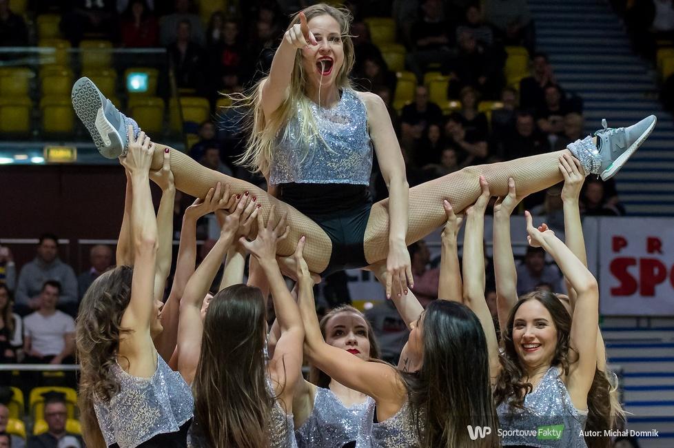 Cheerleaders Gdynia podczas meczu Asseco - GTK (galeria)