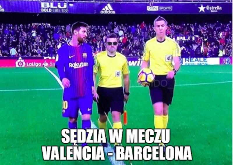 Skandaliczna wpadka sędziowska wywołała burzę. Memy po meczu Barcelony