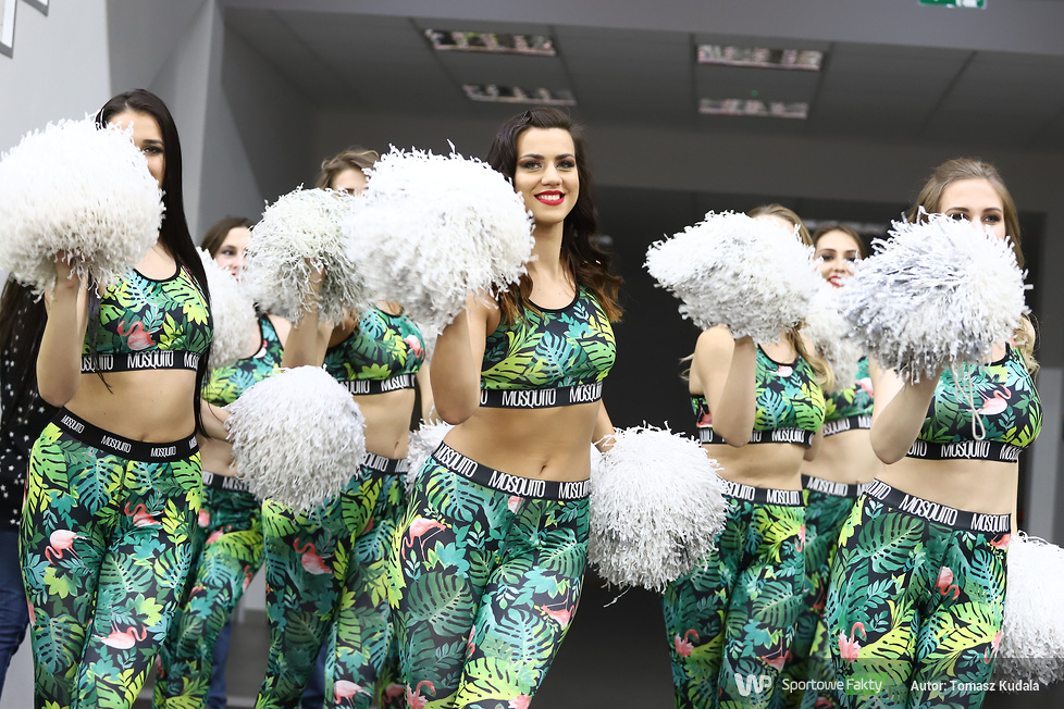 Cheerleaderki w trakcie pierwszego dnia KMŚ 2017 (galeria)