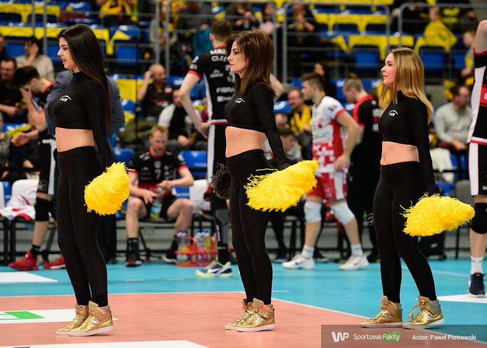 Cheerlaeaders Bełchatów tańczyły w Energii (galeria)