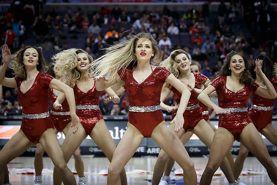 Polskie Cheerleaderki skradły show w USA. Wspaniały występ naszych dziewczyn (galeria)