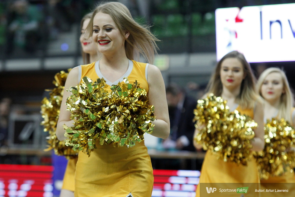 Cheerleaders Zielona Góra podczas meczu Stelmet Enea Zielona Góra - Nanterre (galeria)