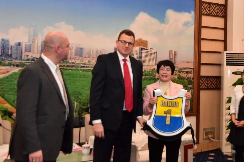 Wiceburmistrz Nanning - Wu Juan i wiceprezydent Grudziądza - Marek Sik...