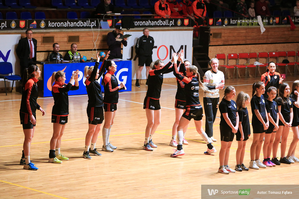 Korona Handball - Metraco Zagłębie Lubin 16:23 (galeria)