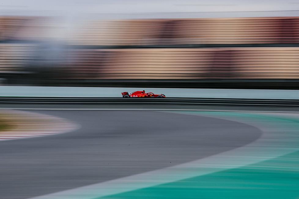 Pierwszy dzień testów F1 w Barcelonie (galeria)