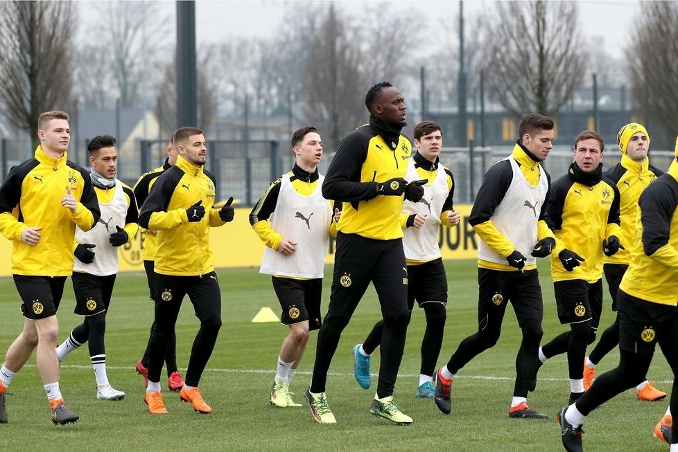 Król sprintu chce być piłkarzem. Usain Bolt trenował z Borussią Dortmund (galeria)