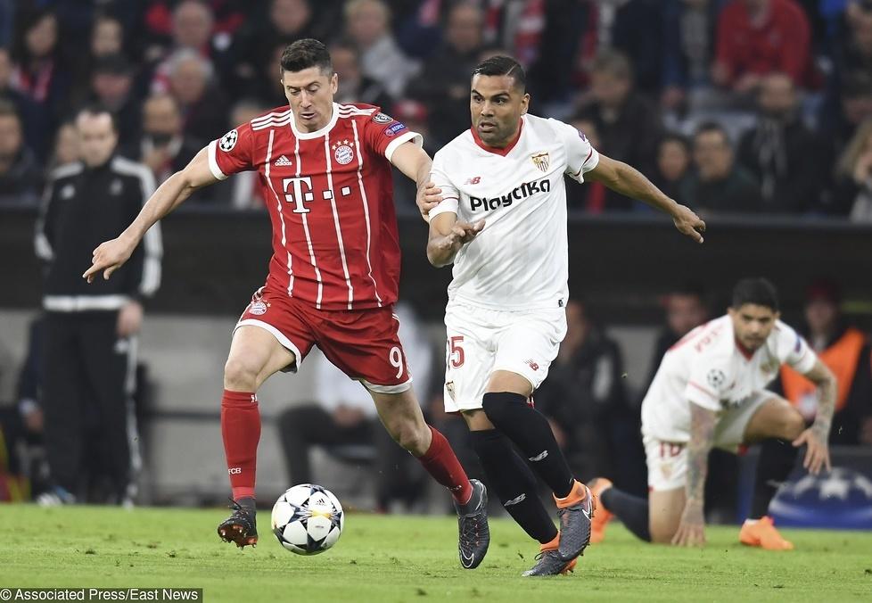 Od początku spotkania obrońcy Sevilla FC na niewiele pozwalali Roberto...