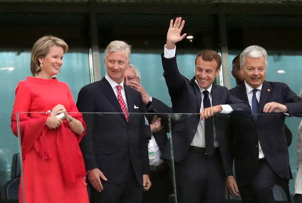 Królowa Matylda z królem Filipem i prezydent Emmanuel Macron...