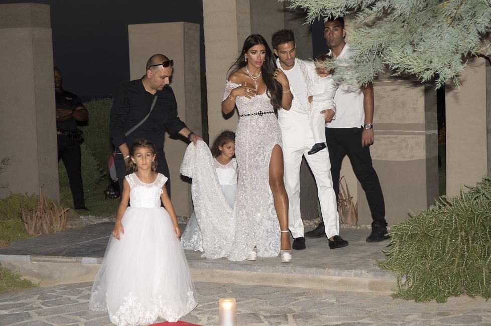 Gwiazdy futbolu zjechały na Ibizę. Messi, Suarez i Terry na imprezie weselnej u Fabregasa (galeria)