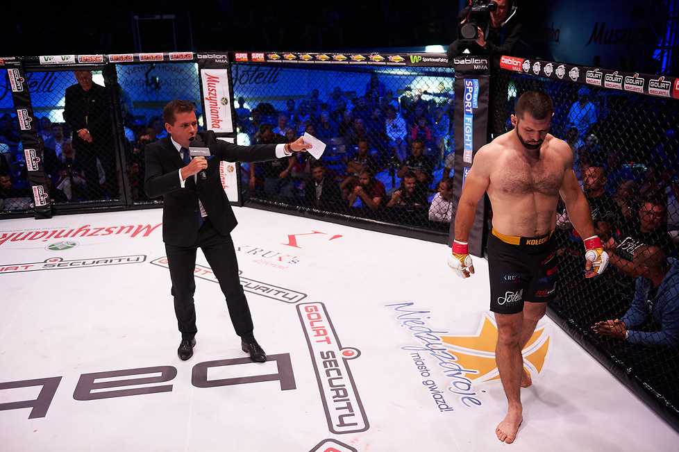 Babilon MMA 5: pierwsza porażka Szymona Kołeckiego. Zobacz, jak uległ Michałowi Bobrowskiemu (galeria)