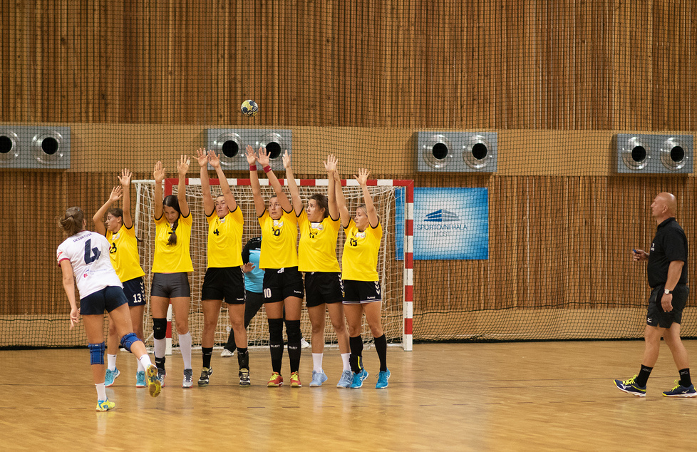 Turniej w Czechach: KPR Kobierzyce - DHC Sokol Poruba 32:24 (galeria)