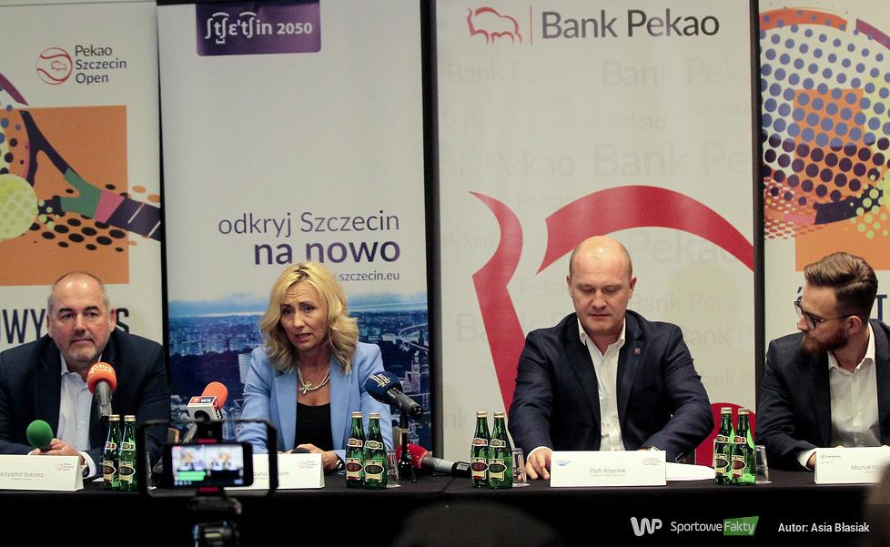 Krzysztof Bobala, Katarzyna Koroch, prezydent miasta Piotr Krzystek, M...