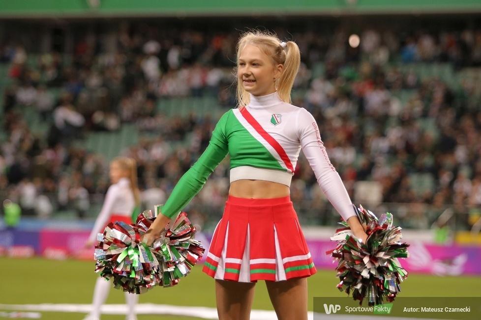 Cheer Angels Cheerleading Academy podczas meczu Legia Warszawa - Wisła Kraków (galeria)