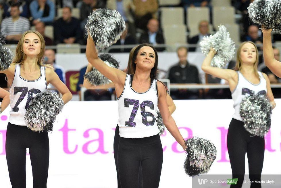 Cheerleaders Koszalin podczas meczu AZS Koszalin - Spójnia Stargard (galeria)