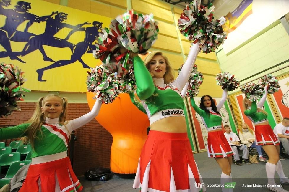 Cheer Angels Cheerleading Academy na meczu Legia Warszawa - Anwil Włocławek (galeria)