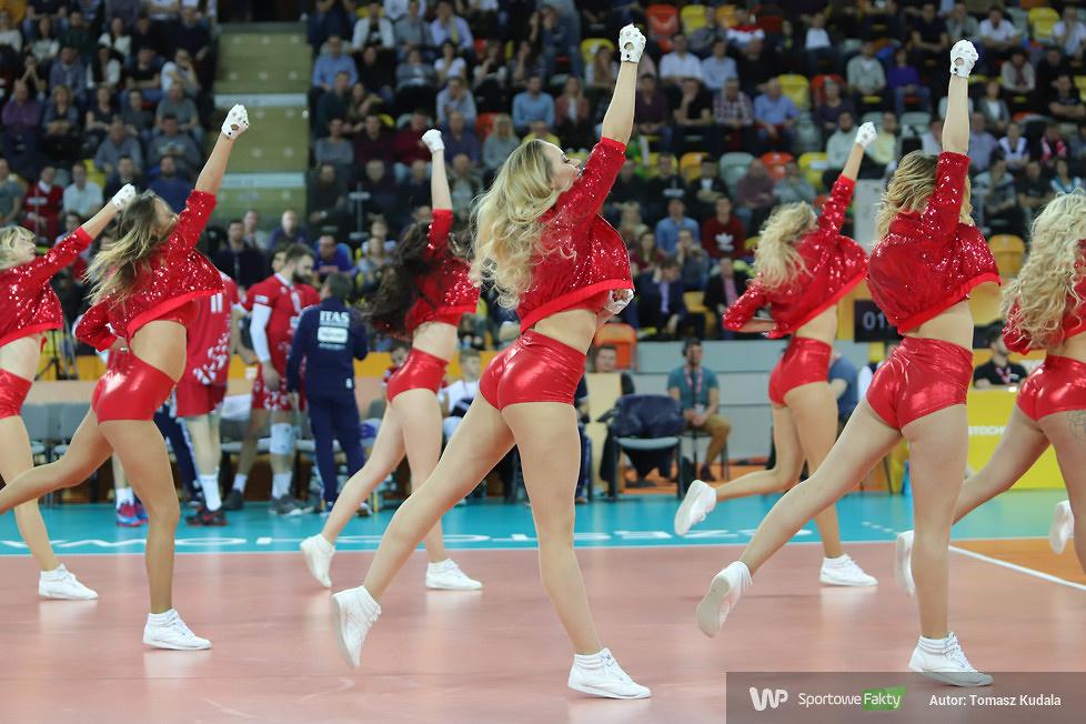 Cheerleaderki w trakcie niedzielnych meczów KMŚ w Częstochowie (galeria)