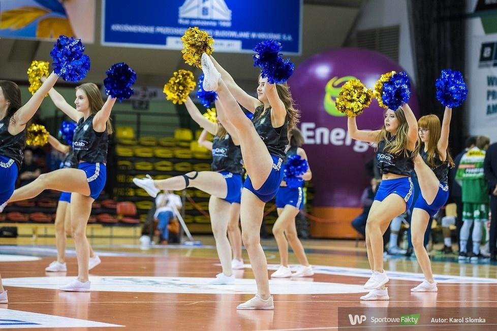 Fragolin Cheerleaders MOSiR Krosno podczas meczu Miasto Szkła - Stelmet (galeria)