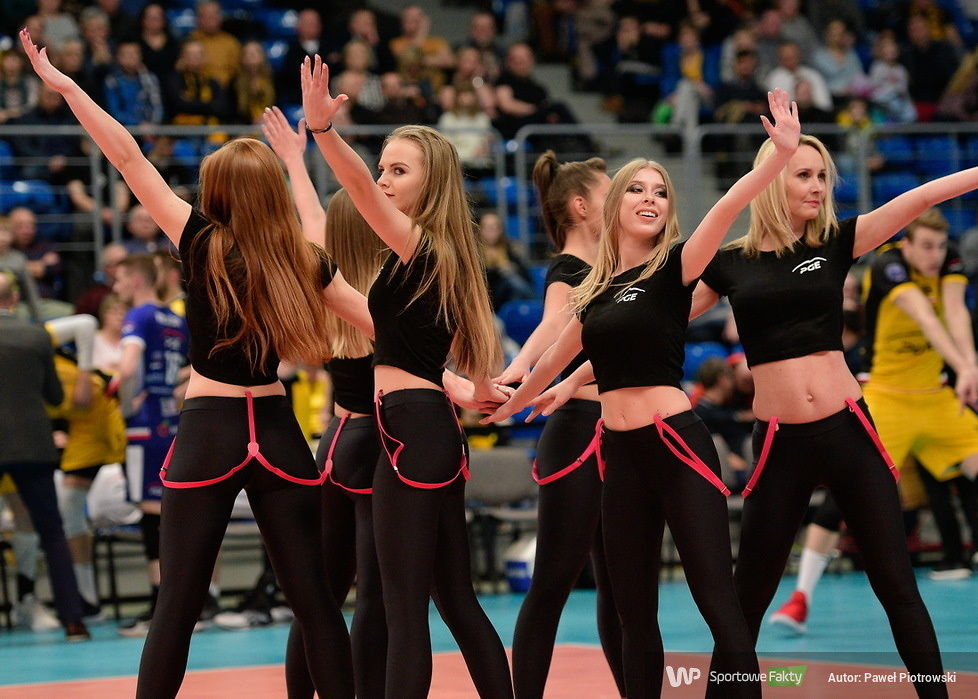 Cheerleaders Bełchatów na meczu PGE Skra Bełchatów w Lidze Mistrzów (galeria)