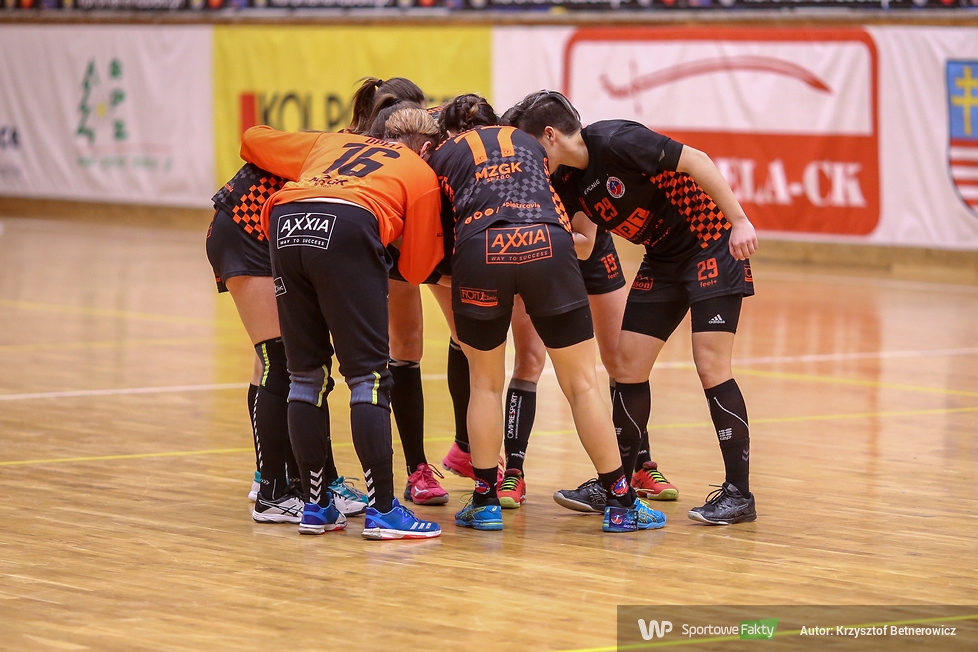 Korona Handball Kielce - MKS Piotrcovia Piotrków Trybunalski 27:27 k: 4:2 (galeria)