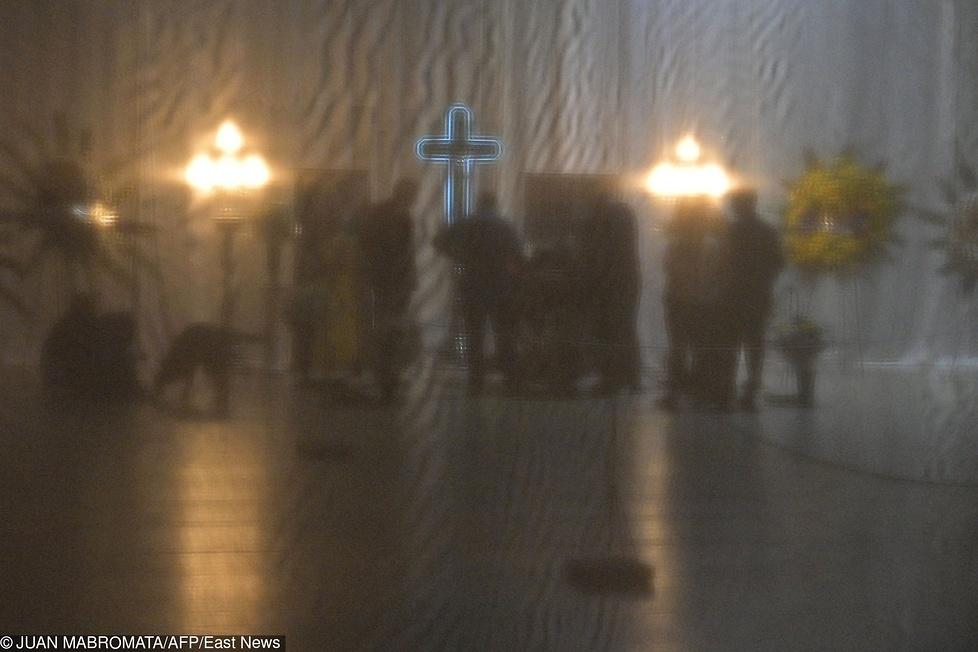 Tłum ludzi pożegnał Emiliano Salę. Piłkarz został pochowany w Argentynie (galeria)
