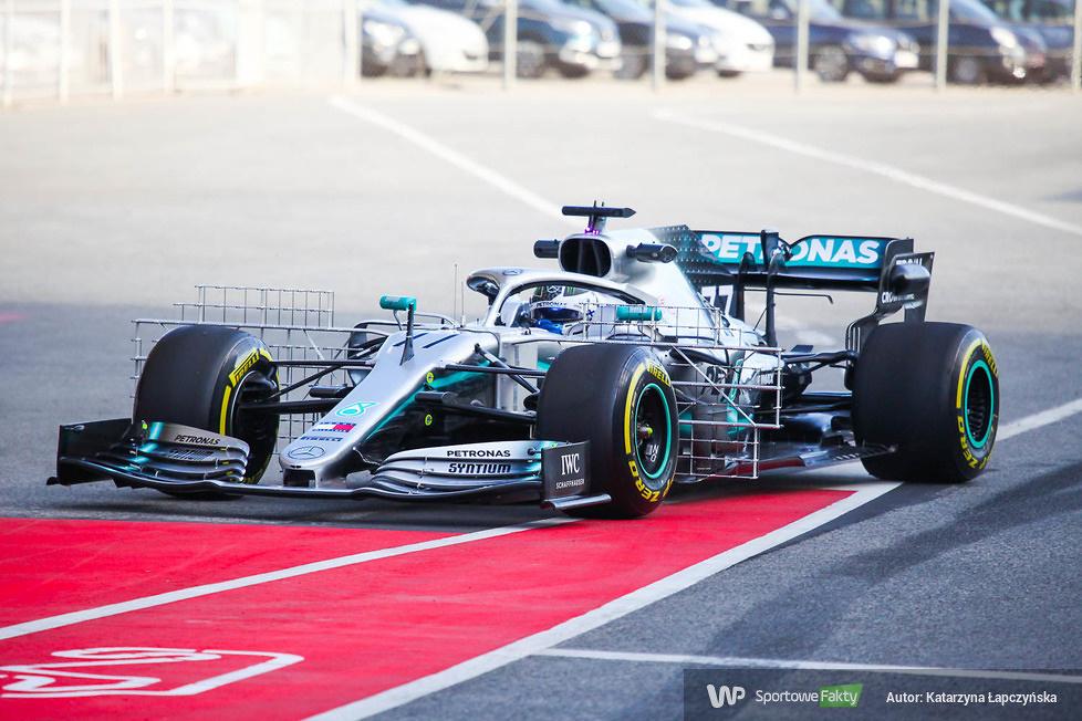 Testy F1: Pierwszy dzień jazd w Barcelonie (galeria)