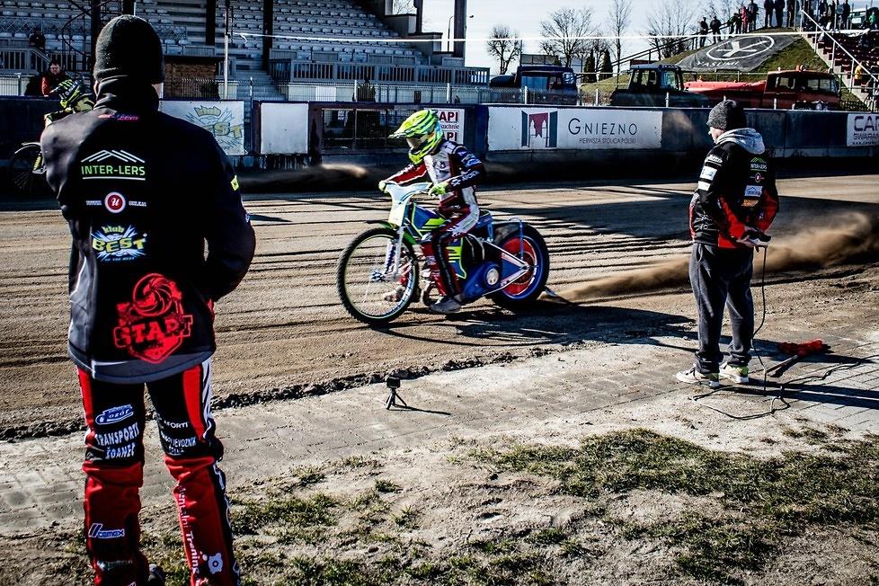Trzeci dzień treningów w Gnieźnie. Jeździli m.in. Bartosz Zmarzlik i Grigorij Łaguta (zdjęcia)