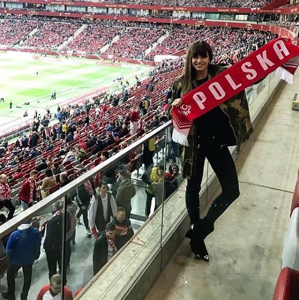 Polska - Łotwa. Lewandowska, Radwańska, Olejnik, Grosicka. Celebryci na meczu el. do ME 2020