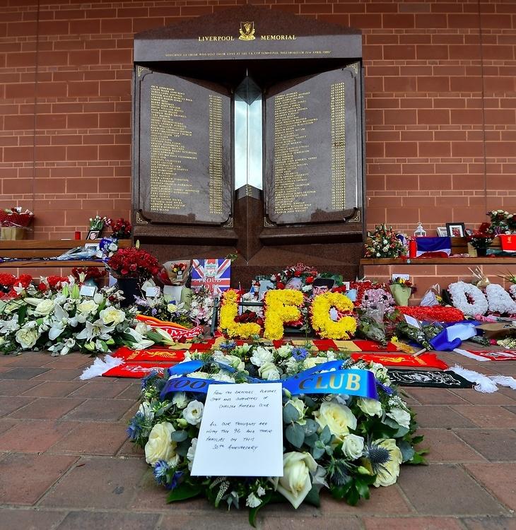 Liverpool FC upamiętnił 30. rocznicę tragedii na Hillsborough (galeria)