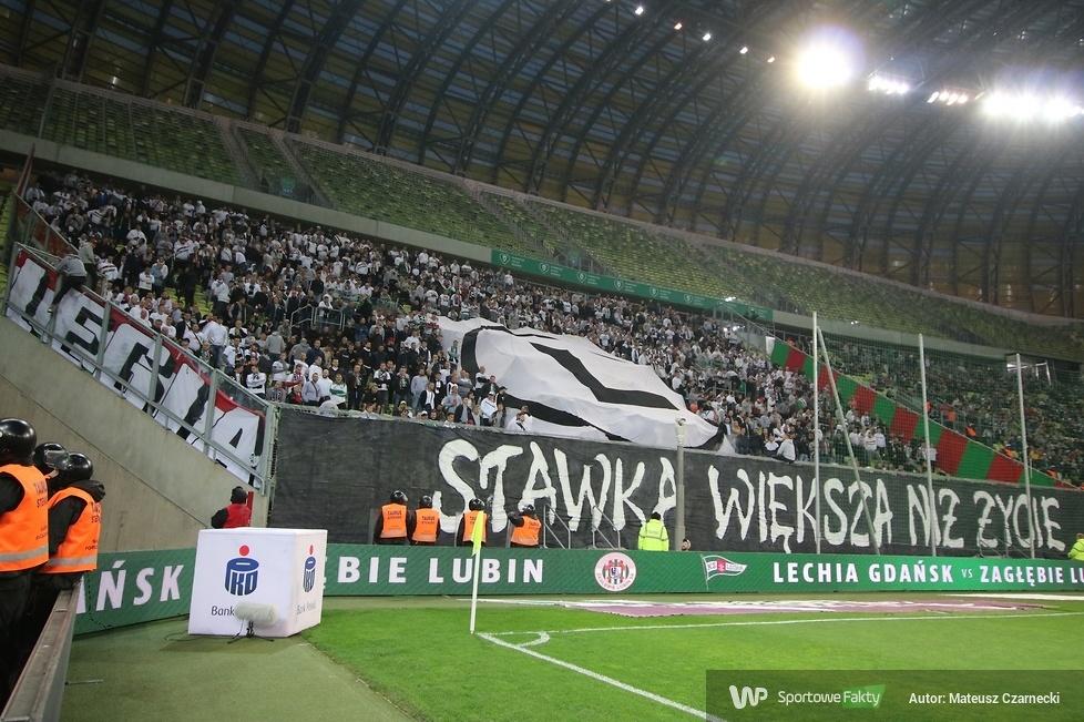 Kibice podczas meczu Lechia Gdańsk - Legia Warszawa (galeria)