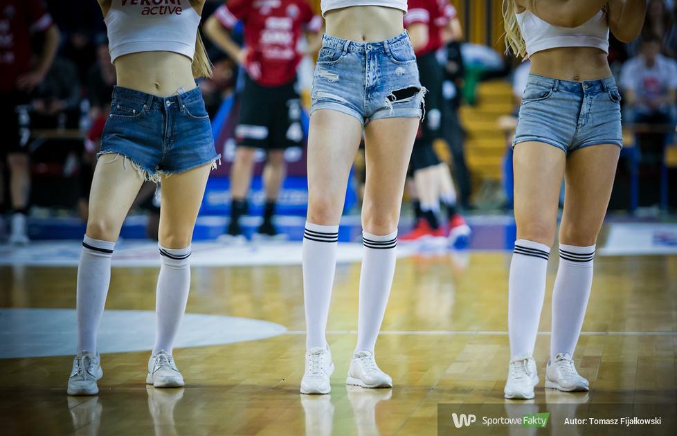 Cheerleaders Radom podczas meczu HydroTruck Radom - TBV Start Lublin (galeria)