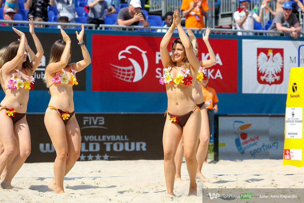 Bell Arto Cheerleaders na piasku World Touru w Warszawie (galeria)