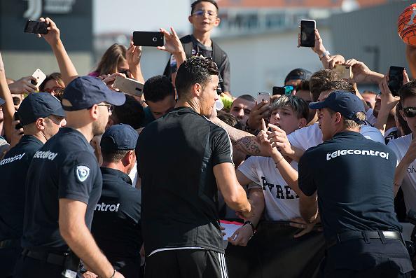 Szaleństwo na treningu Juventusu. Cristiano Ronaldo wrócił z wakacji (galeria)