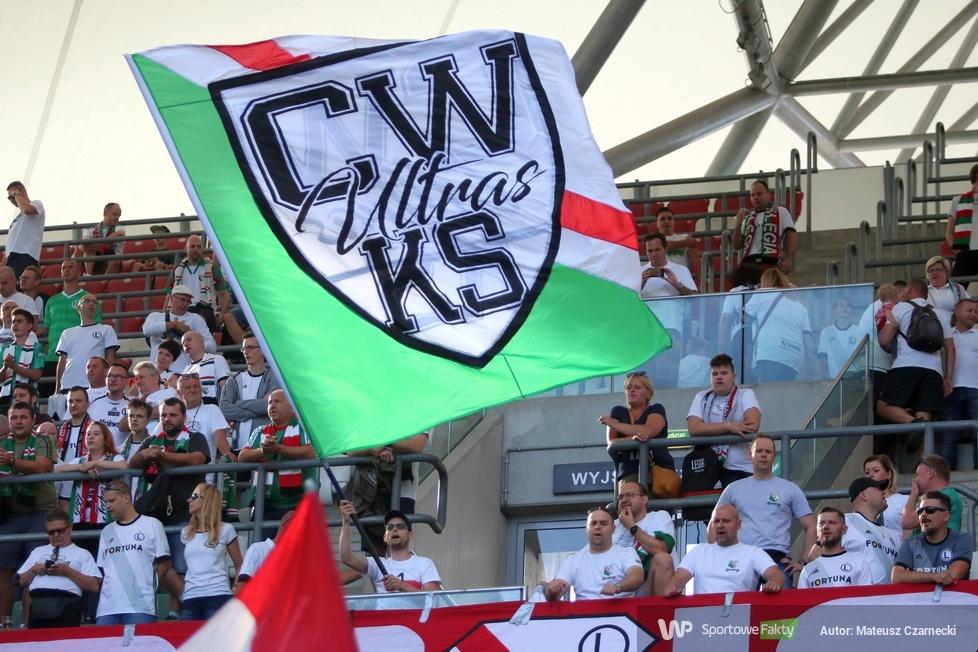 Kibice podczas meczu Legia Warszawa - Śląsk Wrocław (galeria)