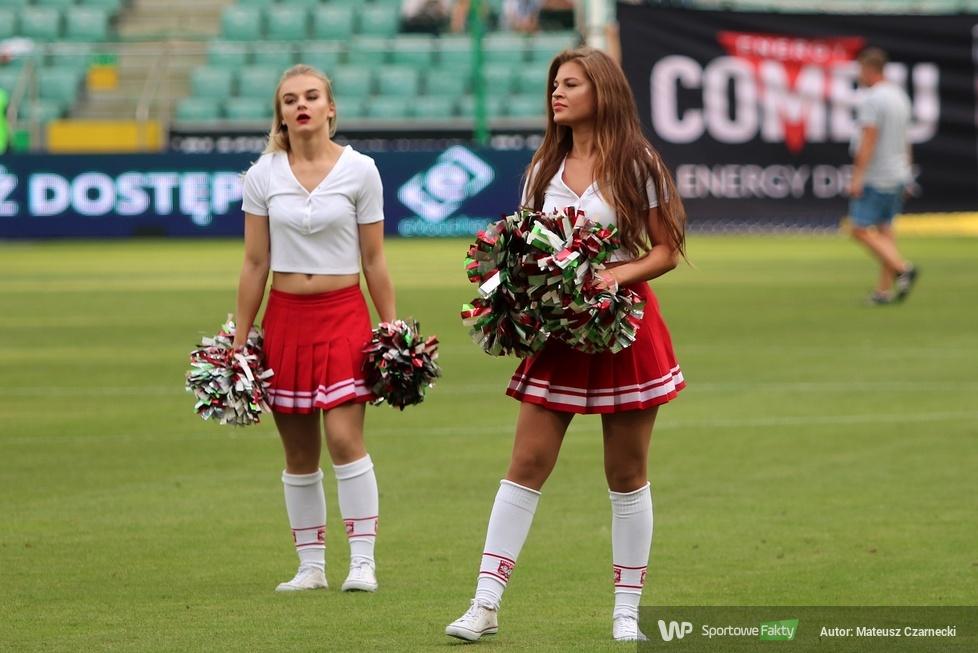 Cheer Angels Cheerleading Academy na meczu Legia Warszawa - Śląsk Wrocław (galeria)