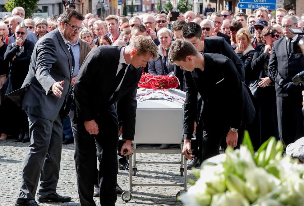 W hołdzie dla kolegi z drużyny. Zobacz zdjęcia z pogrzebu Bjorga Lambrechta (galeria)