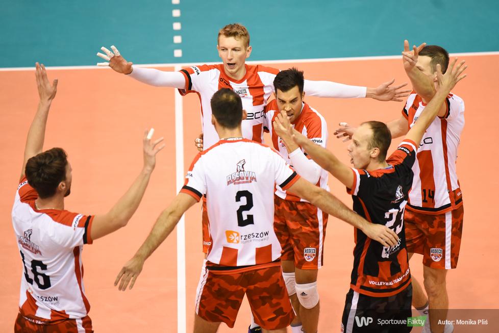 Turniej o Puchar Prezydenta Miasta Krosna - II Półfinał: MKS Będzin - Asseco Resovia Rzeszów 2:3 (galeria)