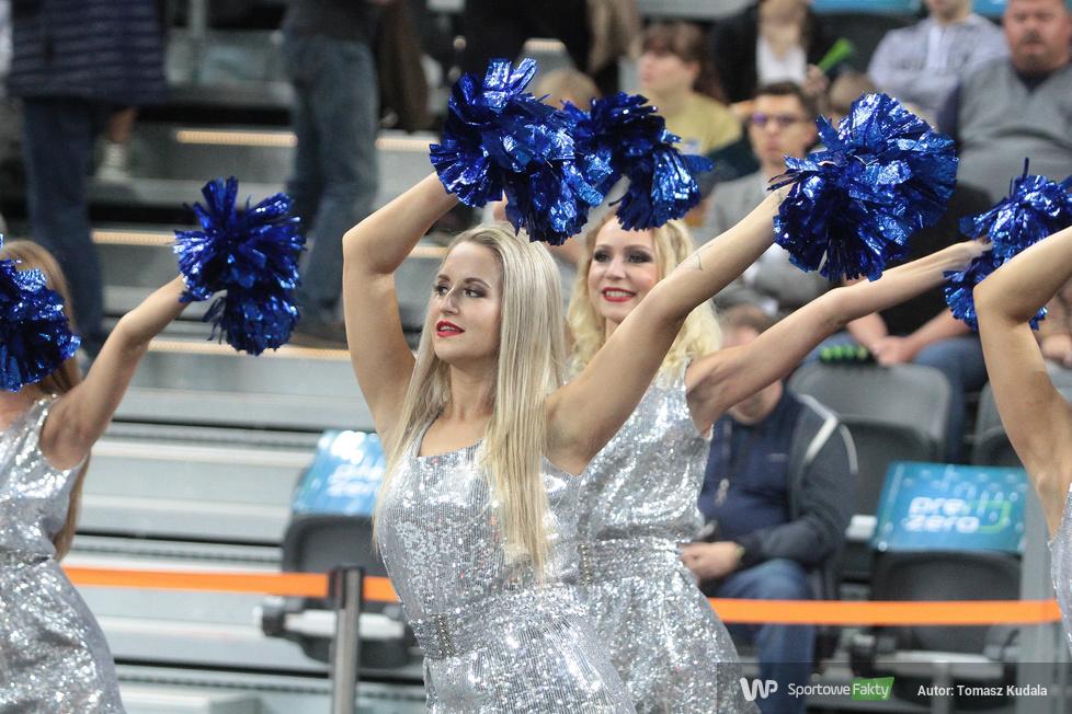 Cheerleaderki w trakcie Superpucharu Polski (galeria)
