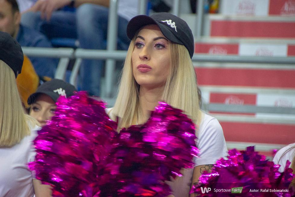 Cheerleaders Włocławek podczas meczu Anwil Włocławek - HydroTruck Radom (galeria)